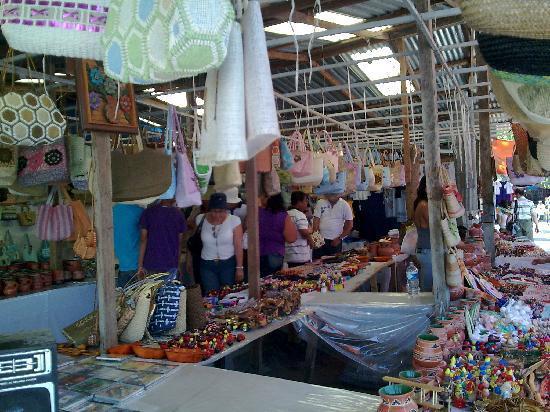 Papantla, Veracruz, Mexico. Artesanias en el Tajin 3