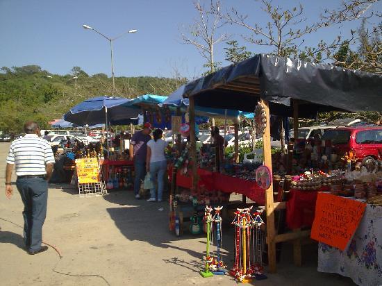 Papantla, Veracruz, Mexico. Artesanias en el Tajin 4