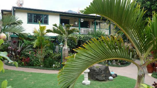 Hanalei Surfboard House: Main house