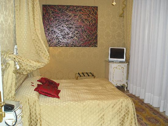 Ca' Bonvicini: Our room