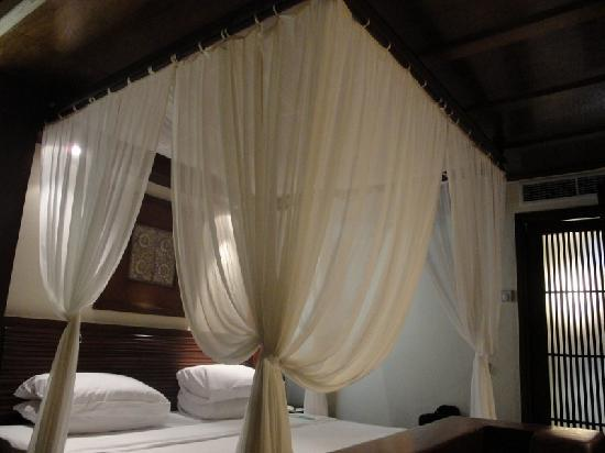 Melia Bali: Beautiful king bed upstairs in duplex