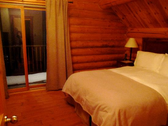 Blueberry Lake Resort: room