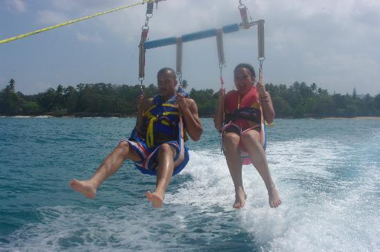 San Juan Marriott Resort & Stellaris Casino: parasailing with my GF