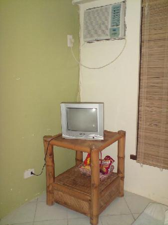 Al Fresco Resort: Cable TV