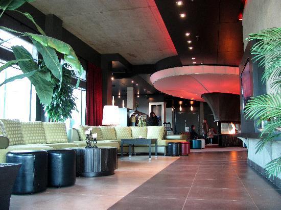 Grand Times Hotel: Hotel lobby