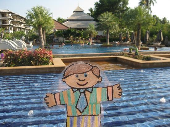 Marriott's Mai Khao Beach - Phuket: Flat Stanley at the pool
