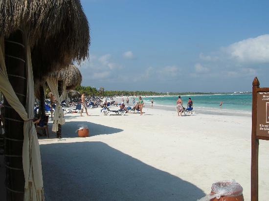 Grand Palladium White Sand Resort & Spa: View of beach from restaurant