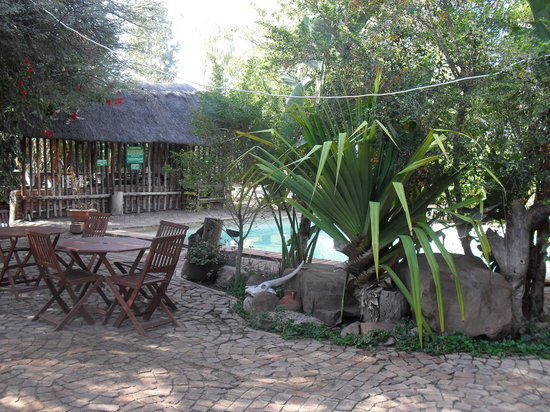 Palapye, Botsvana: The swimming pool area