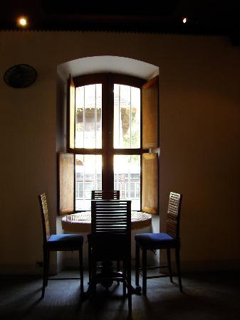 Le Dupleix: A cozy conversation