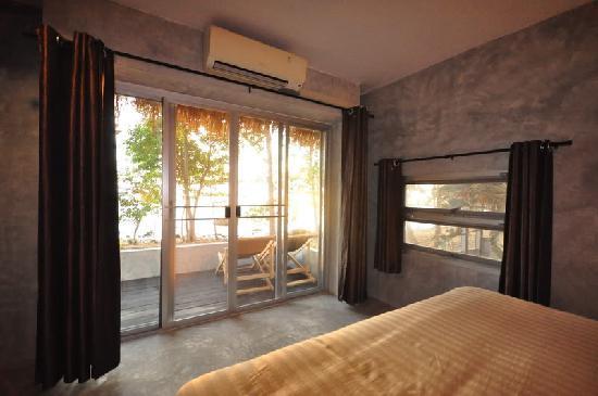 Paradise Cottage: Room
