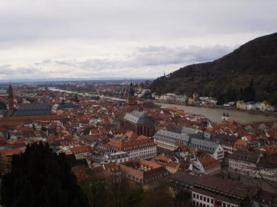 Heidelberg, Tyskland: View of the city from the castle.
