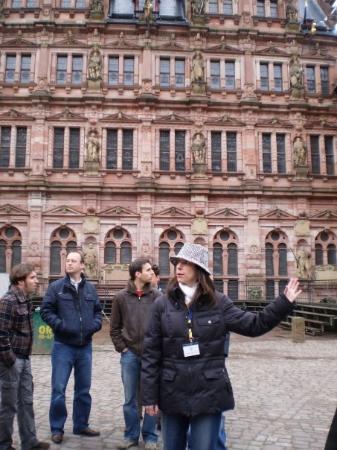 Heidelberg, Tyskland: Our tour guide at the Castle in Heidelburg.