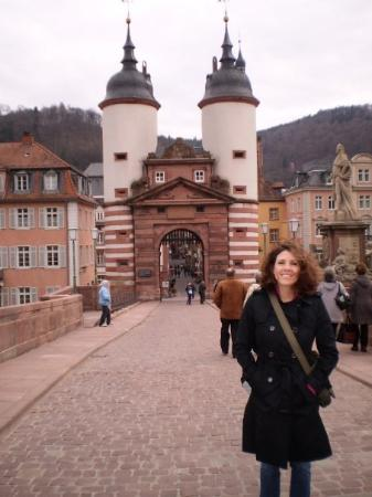 Heidelberg, Tyskland: The bridge into Heidelburg.