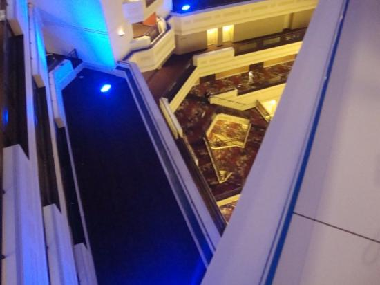 Sheraton Springfield at Monarch Place: she looked down!!! And the lights, change colors.