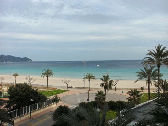 Protur Playa Cala Millor Hotel: Die Aussicht genießen vom Balkon meines Hotelzimmers. Das war im Hotel Riu an der Ostküste Mallo