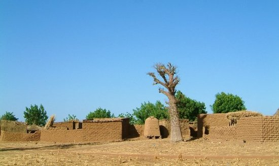 Ouagadougou, Burkina Faso: Visite au Village très spécial!