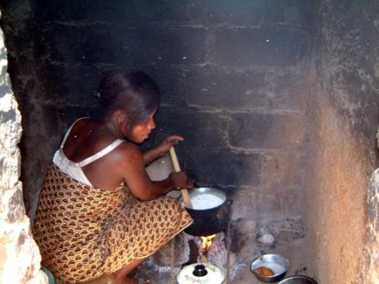 Ouahigouya, Burkina Faso: La cuisson au village