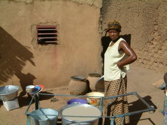 Ouahigouya, Burkina Faso: Préparation au village