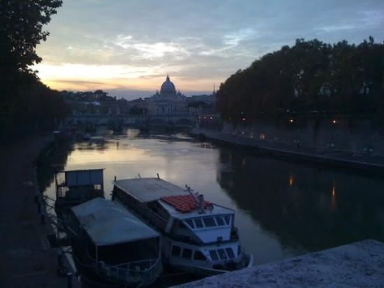 Your Tour in Italy by Aldo Monti: walking walking and more walking