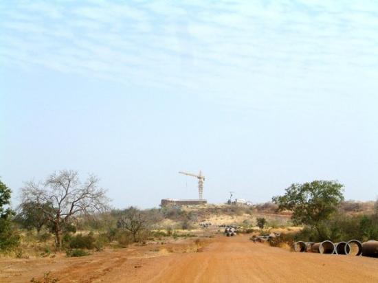 Koupela, بوركينا فاسو: Grandes construction au village