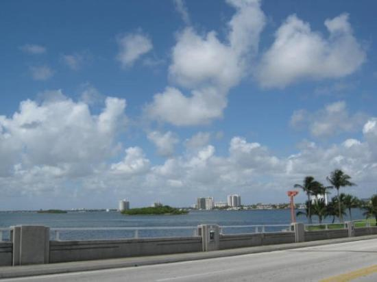 Fort Lauderdale, FL: View from the bridge over the Bay