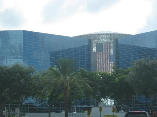 Fort Lauderdale, FL: Office building in Hollywood, FL