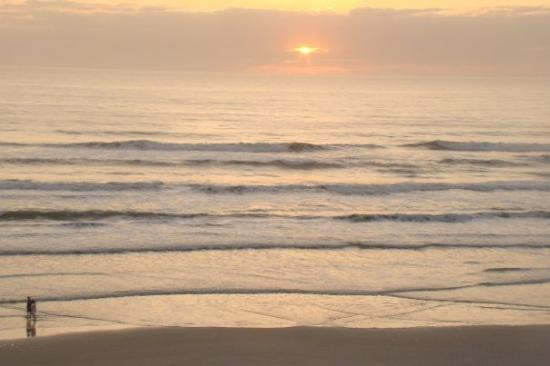 New Smyrna Beach, FL: The ocean at sunrise