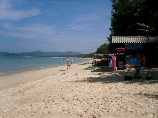 Amora Beach Resort: View to the right of Amora