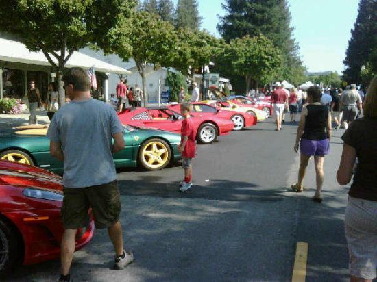 Danville, Kalifornia: Another Ferrar row