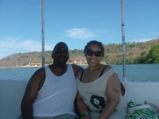Gulf of Papagayo, Costa Rica: me and ant goin to the beach