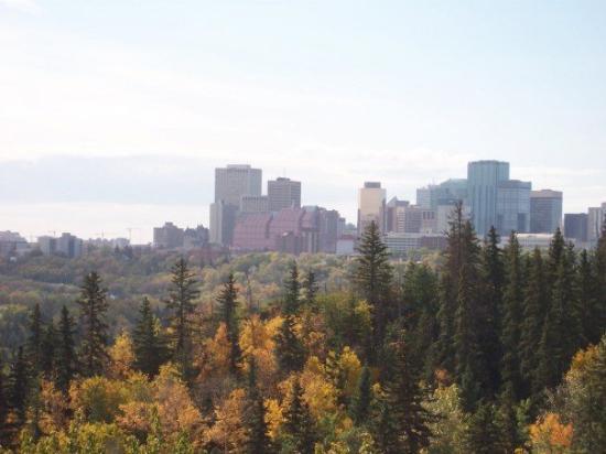 Edmonton, Canada: veiw over kinard ravine