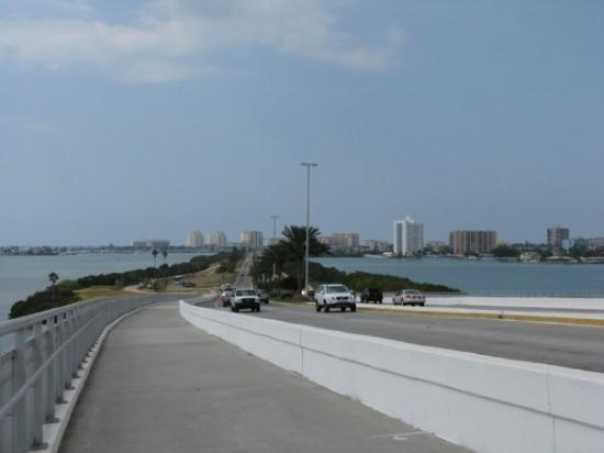 Coming oner Causway to Clearwater BCH