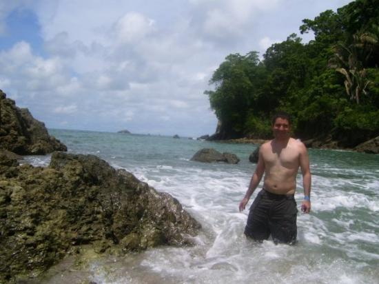 Jaco Beach: The water is so warm...