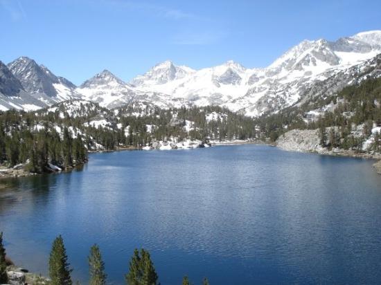 Mammoth Lakes, CA: Box Lake in June