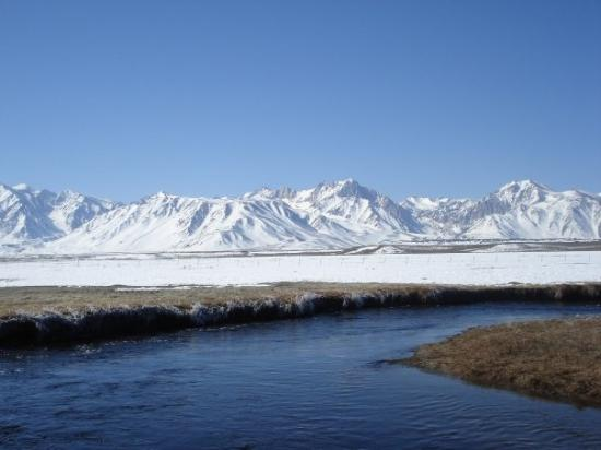 Mammoth Lakes, CA: Owens River on Easter Sunday 08