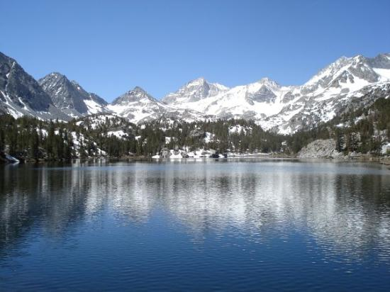 Mammoth Lakes, CA: Box Lake in June