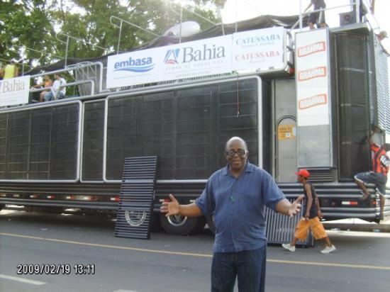 Salvador, BA: THE TRUCK IS CALLED A TRIO...THE MUSIC /BANDS RIDE ON TOP IN THE CARNIVAL PARADE....2/09