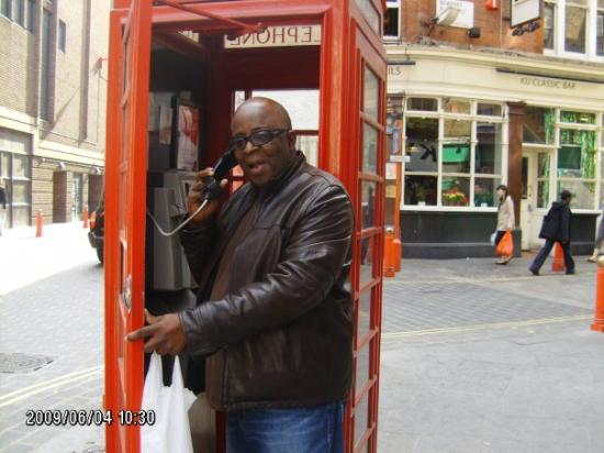 Salvador, BA: a london phone booth..remember, dial the number.say hello.then put the money in the phone..who w