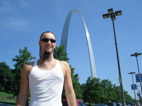 Saint Louis, MO: Me in front of the Gateway Arch in St. Louis, MO