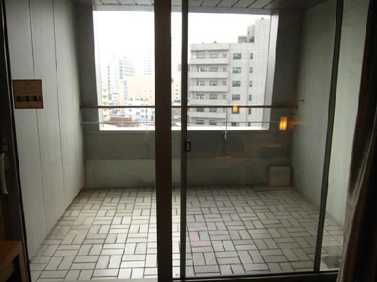 โรงแรมพีเจ: balcony