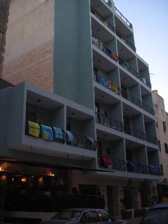 Tropicana Hotel: fachada hotel