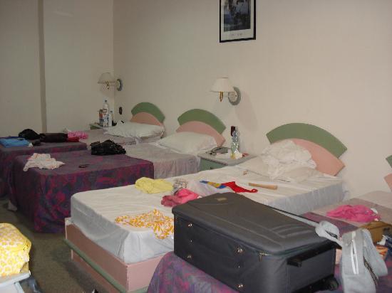 Tropicana Hotel: Habitación cuadruple