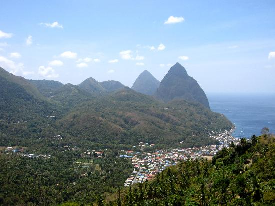 Serenity Vacations and Tours: View of the Mountains