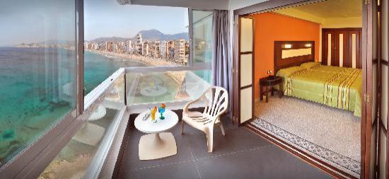 Hotel Benikaktus: Habitación standard