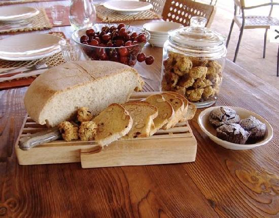 Monte degli Aromi: homemade bread