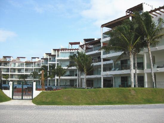 The Elements Oceanfront & Beachside Condo Hotel: north-wing