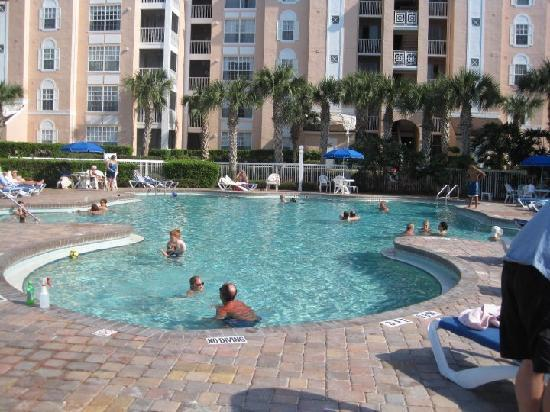 Cypress Pointe Resort: Day by the pool