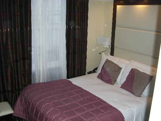 Grand Royale London Hyde Park: comfy bed
