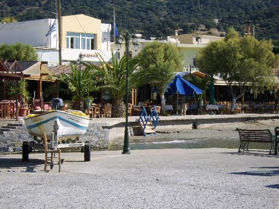 Costas & Chrysoula: Looking bk from beach