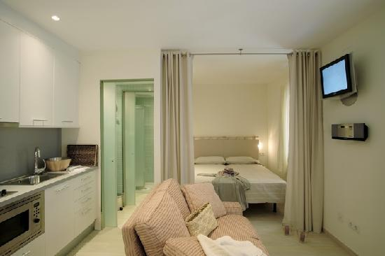 ClassBedroom: Barceloneta Beach  IV